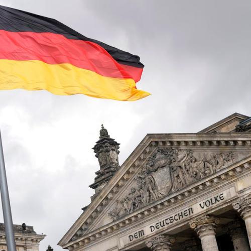 German Social Democrats' lead narrows days before election