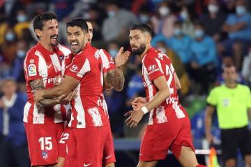 Suarez double hands Atletico comeback victory at Getafe