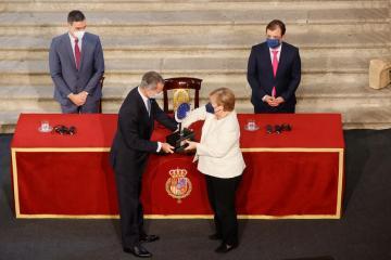 Photo Story: Merkel awarded Carlos V European Award
