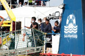 Photo Story: Sea-Watch 3 vessel with 406 migrants on board arrives in Pozzallo, Sicily