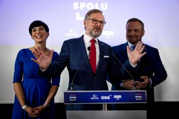Czech opposition groups plan coalition agreement by November 8