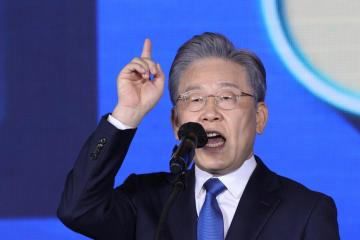 S.Korea's Lee wins ruling party primary in presidential race overshadowed by scandal