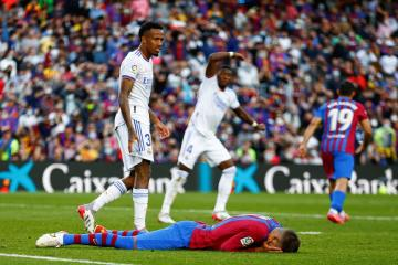 Alaba strike on Clasico debut gives Real Madrid 2-1 win at Barcelona