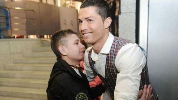 Cristiano Ronaldo ayudó a un niño en coma a despertar con su triplete. (Internet)