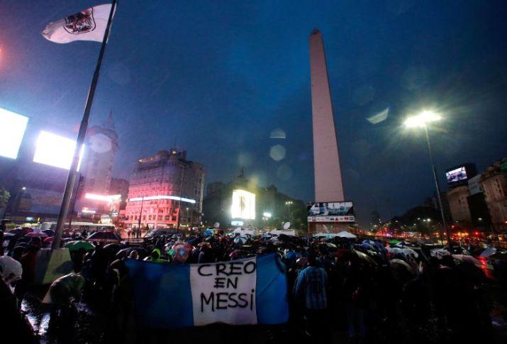 Lionel Messi: Argentinos salieron a las calles para pedir al astro que no abandone la selección