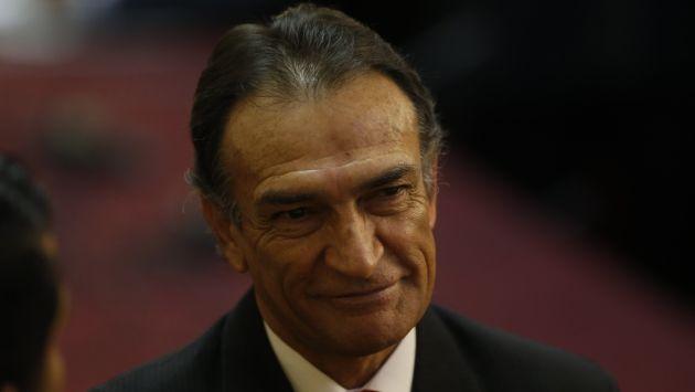"""Héctor Becerril: """"Todo el país es testigo de la conducta moral de Rafael Rey"""" (Mario Zapata/Perú21)"""
