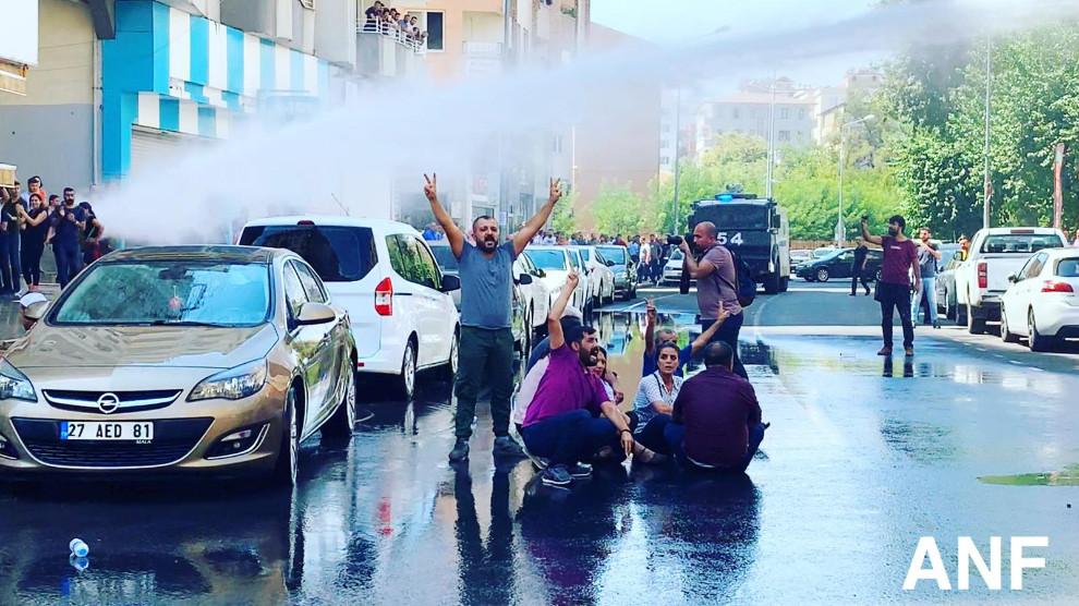 Arrestations arbitraires d'élus du HDP et du BDP ; Vitry proteste auprès de l'ambassadeur de Turquie en France