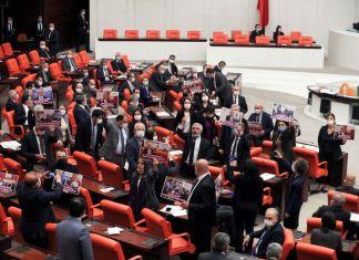 Communiqué du Parti démocratique des Peuples (HDP) après la procédure de fermeture engagée contre lui devant la cour constitutionnelle turque
