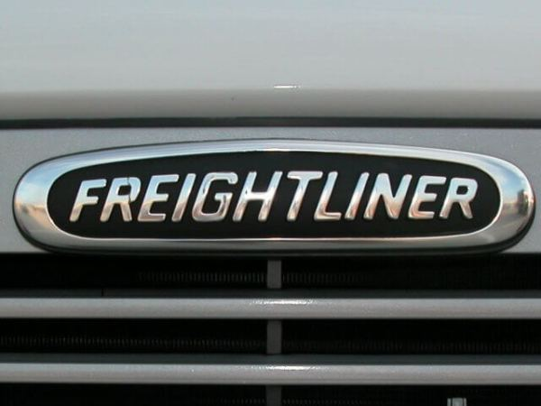 Freightliner Introduces LED Headlamps