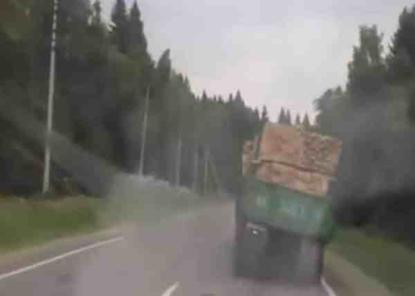 VIDEO: Truck Goes Into Death Wobble