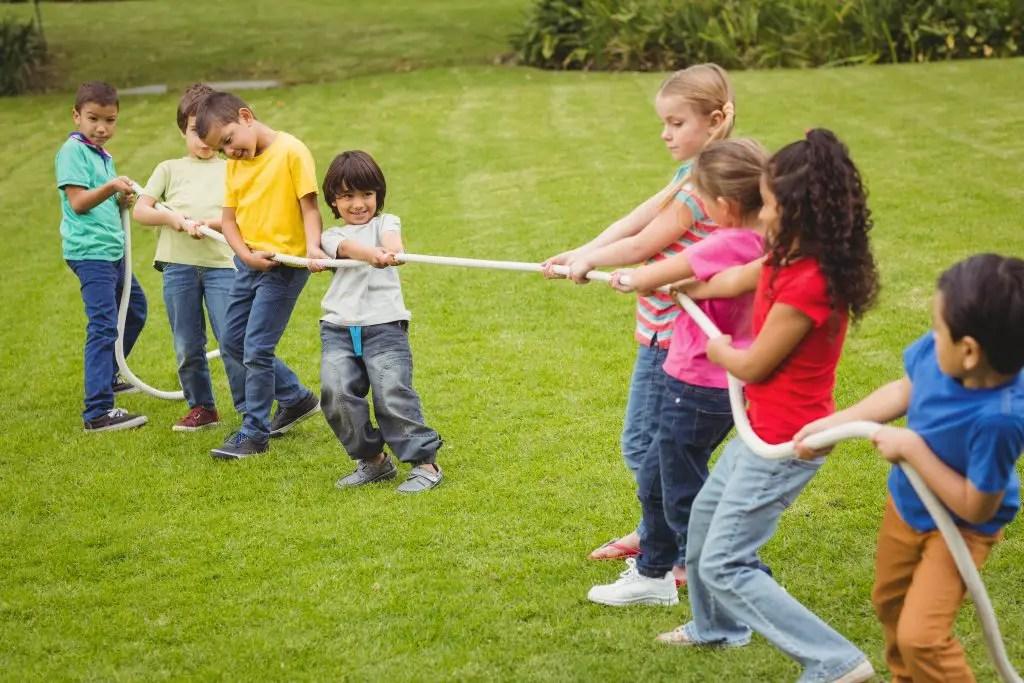 Los juegos recreativos son ciertas actividades que varían según el tipo de juego que sea, llevándose a cabo desde una persona o un grupo. Juegos Para Ninos Faciles Divertidos Y Para Todas Las Edades