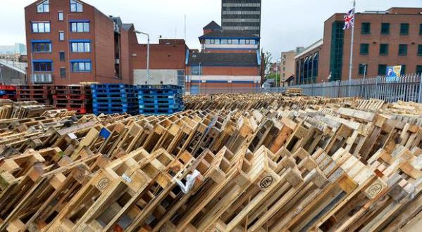 Belfast council staff 'fearing for safety' after bonfire ...