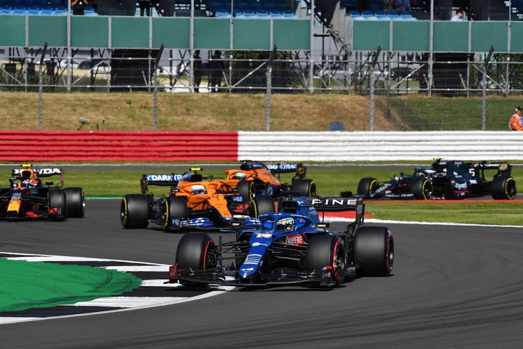 """Aggressive Alonso plans to stay on F1's """"dark side"""""""