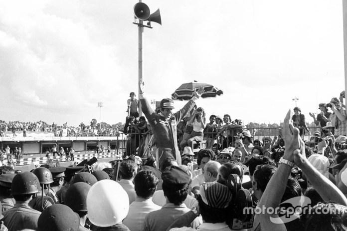 El ganador Jody Scheckter, Wolf Ford