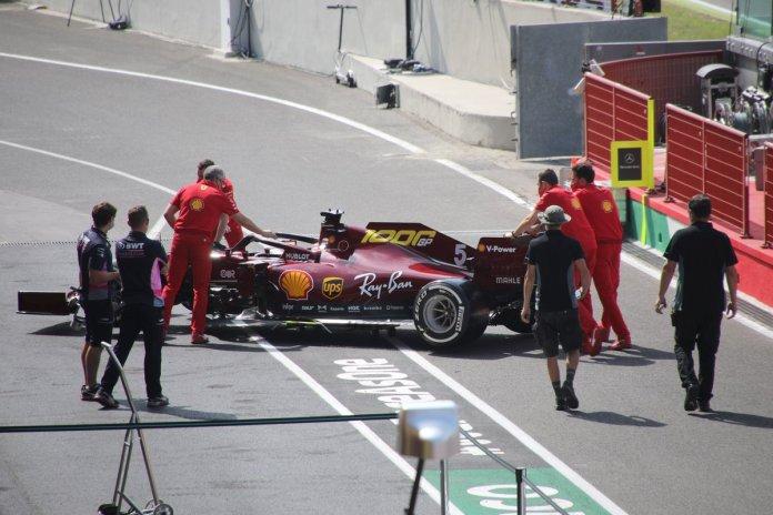 Ferrari SF1000 en el pitlane