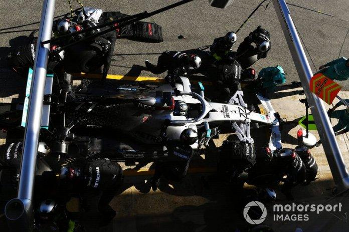 Valtteri Bottas, Mercedes F1 W11 en pitlane