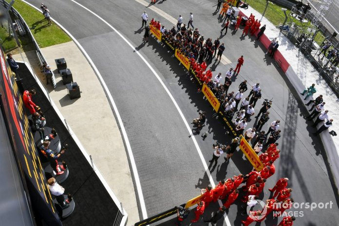 Podio: segundo lugar Max Verstappen, Red Bull Racing. ganador Lewis Hamilton, Mercedes-AMG F1 y el tercer lugar Charles Leclerc, Ferrari