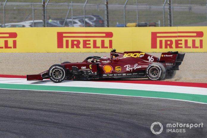 Charles Leclerc, Ferrari SF1000 saliendo de la grava