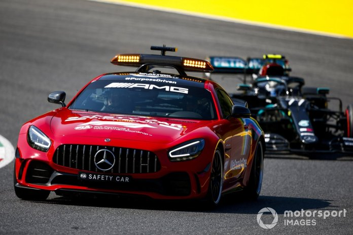 Safety Car lidera a Valtteri Bottas, Mercedes F1 W11