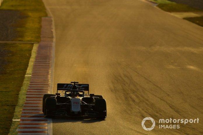 18º Kevin Magnussen, Haas F1 Team VF-20: 1:17.495 (con neumáticos C4)