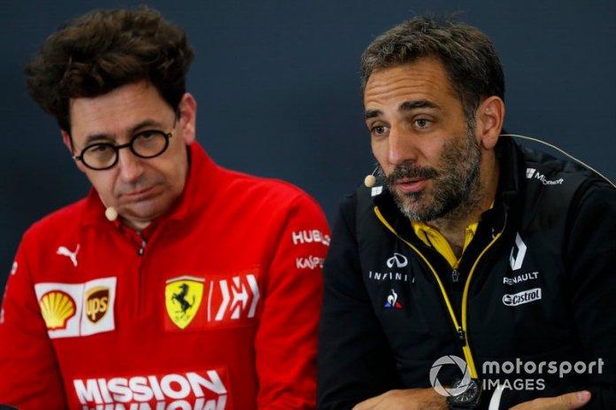 Cyril Abiteboul, Director General, Renault F1 Team, y Mattia Binotto, Director Ferrari