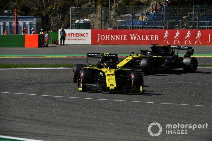 Nico Hulkenberg, Renault F1 Team R.S. 19, Daniel Ricciardo, Renault F1 Team R.S.19