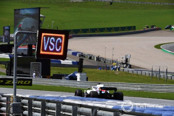 El Virtual Safety Car llegó a la Fórmula 1 como consecuencia del accidente de Jules Bianchi en el Gran Premio de Japón 2014. Desde entonces, su implementación ha dado juego a las estrategias en carrera y algunas veces ha resultado decisivo.