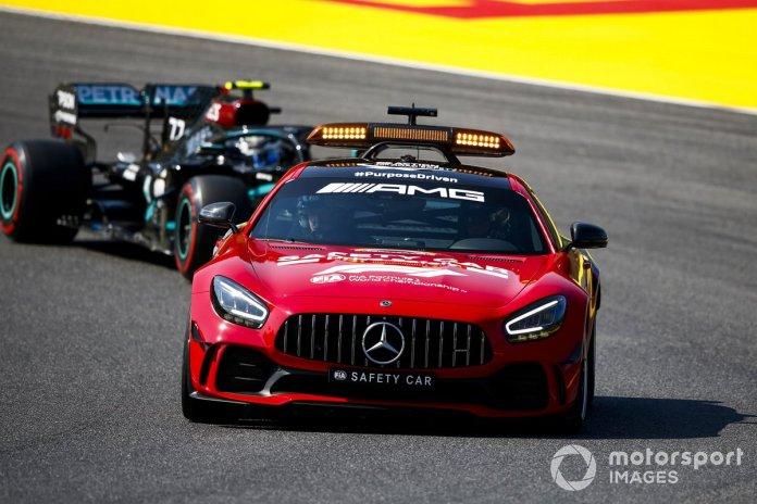 Safety Car lidera a Valtteri Bottas, Mercedes F1 W11