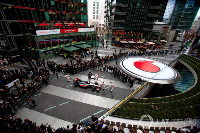 6: Un McLaren a pedazitos