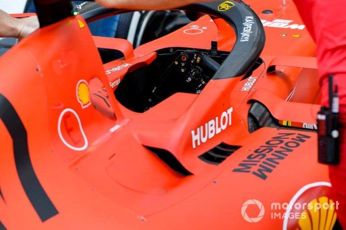 La cabina del Ferrari SF90