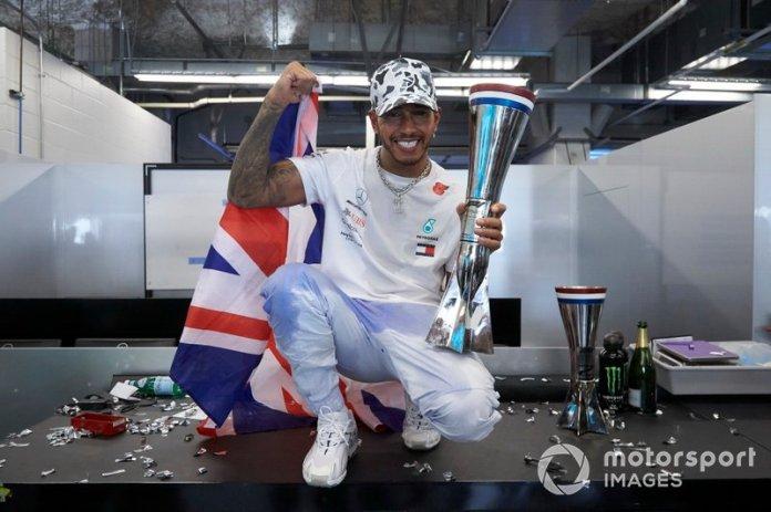 Campeonatos consecutivos de Lewis Hamilton: 3