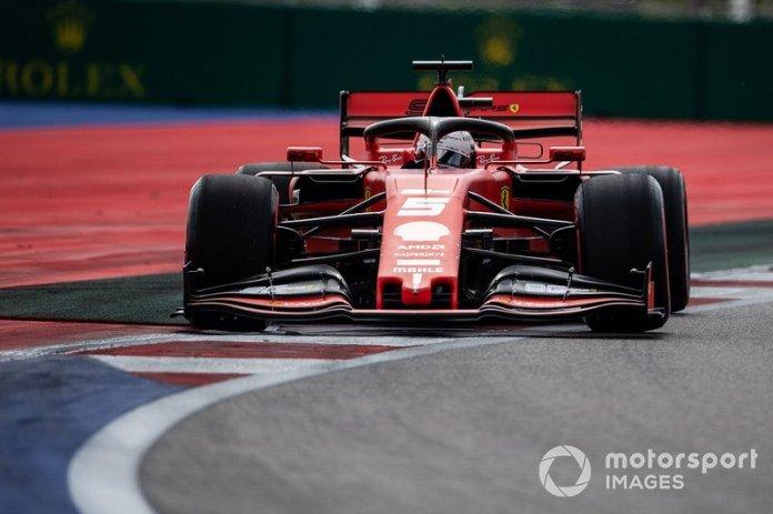 Vettel abandona