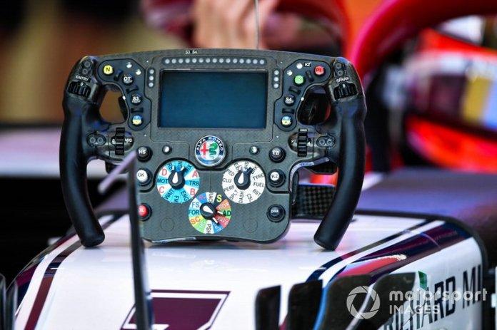 El volante de Kimi Raikkonen, Alfa Romeo Racing C38