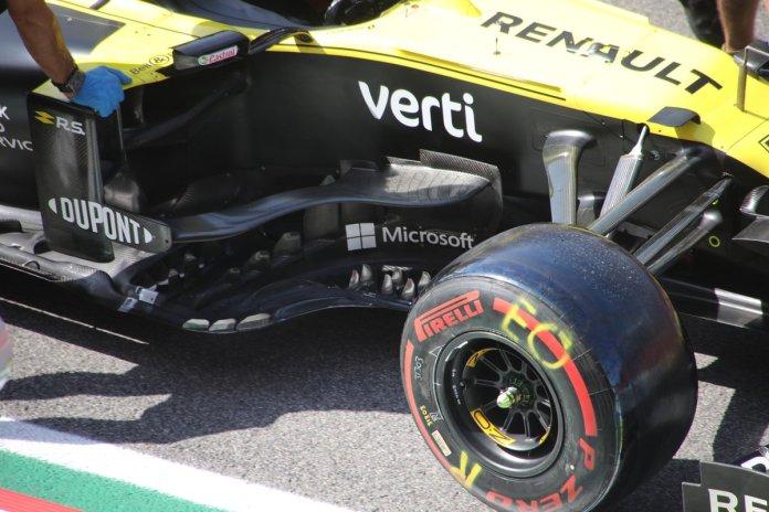 Renault R.S.20 detalle de los sidepods