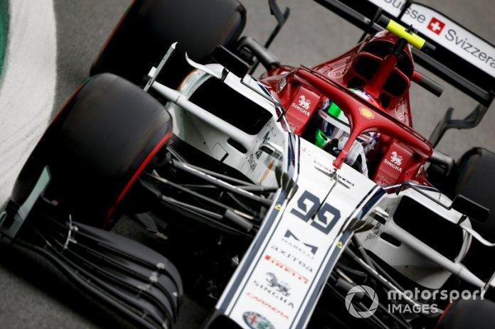 5ºAntonio Giovinazzi, Alfa Romeo Racing C38 1:33:24.879