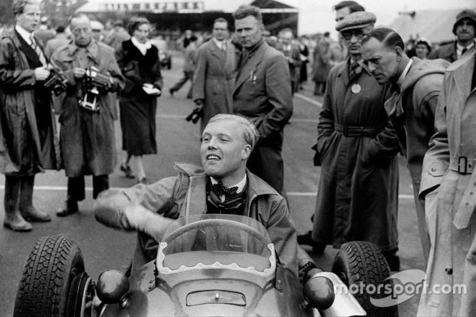 12- Mike Hawthorn, 24 años, 2 meses y 25 días en el GP de Francia 1953