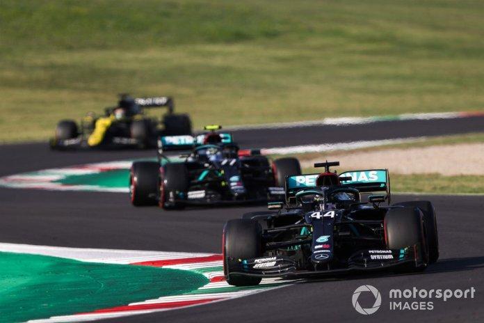 Lewis Hamilton, Mercedes F1 W11, Valtteri Bottas, Mercedes F1 W11, Daniel Ricciardo, Renault F1 Team R.S.20