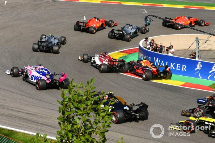 Incidente entre Verstappen e Raikkonen