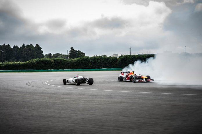 Max Verstappen Red Bull Racing RB8, Takuma Sato, Honda RA272