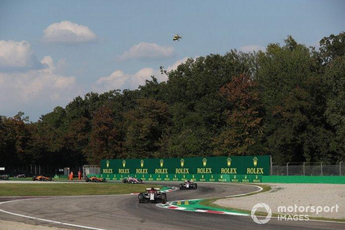 Kimi Raikkonen, Alfa Romeo Racing C39, Antonio Giovinazzi, Alfa Romeo Racing C39, Lance Stroll, Racing Point RP20