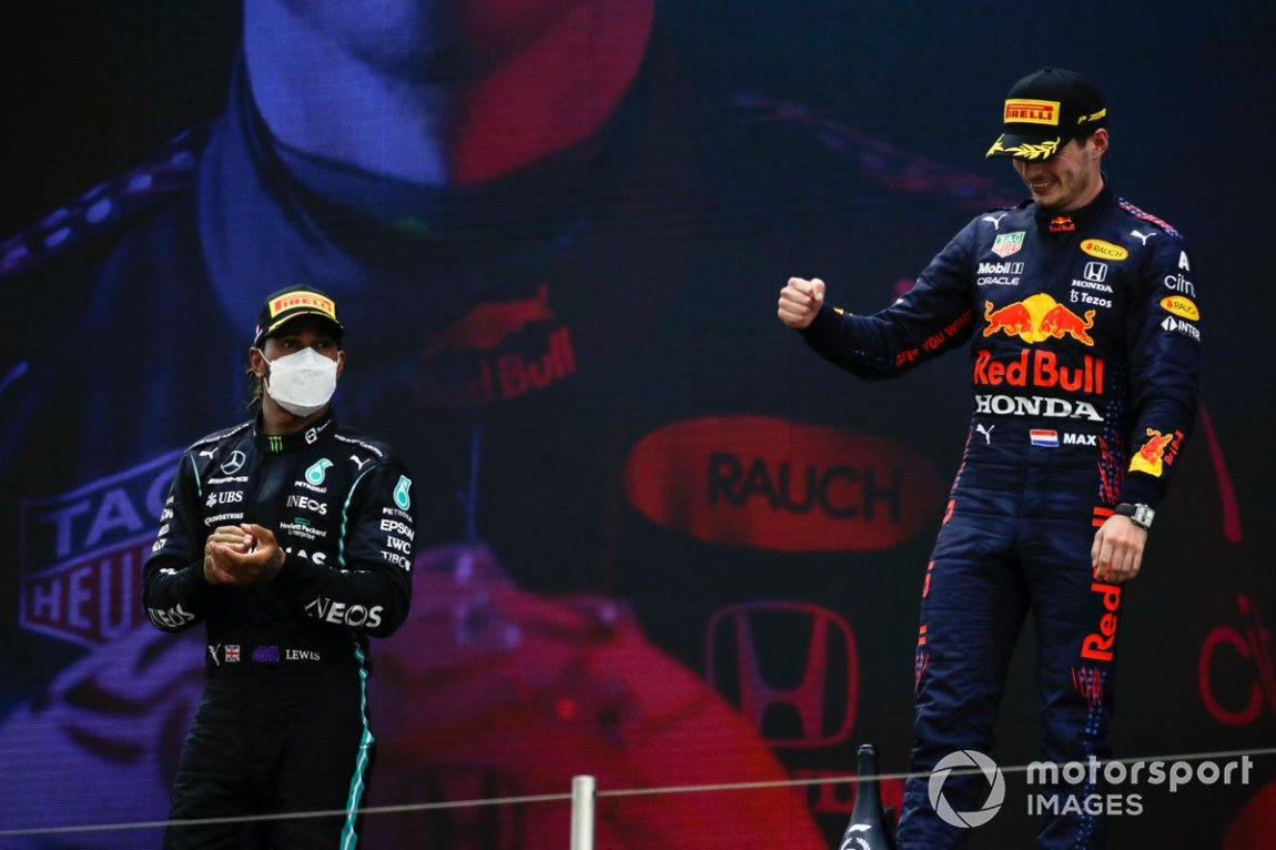 Lewis Hamilton, Mercedes, 2nd position, and Max Verstappen, Red Bull Racing, 1st position, on the podiumLewis Hamilton, Mercedes, 2nd place, and Max Verstappen, Red Bull Racing, 1st place, on the podium