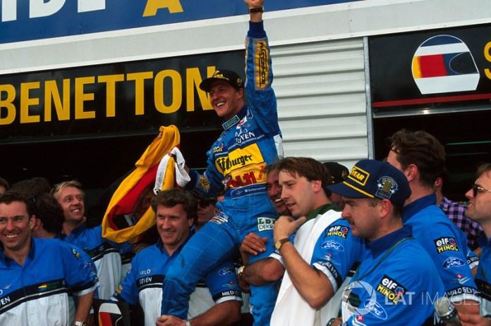 Michael Schumacher, Benetton célèbre son titre mondial avec son équipe