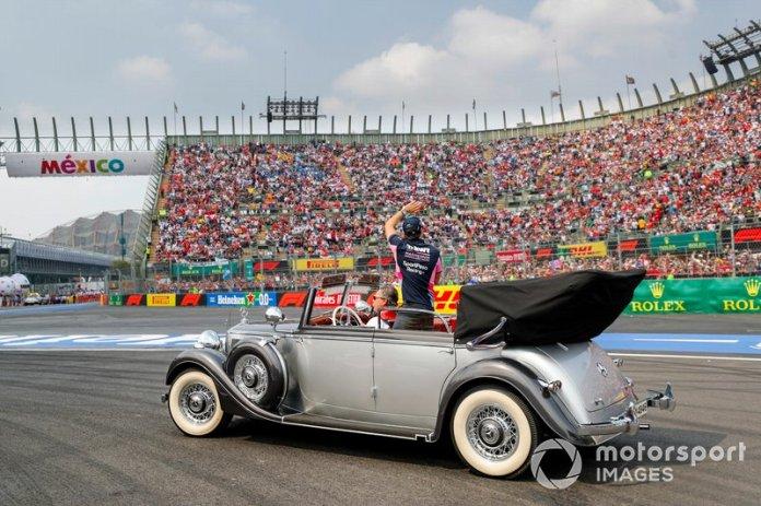 Sergio Pérez, Racing Point en el desfile de pilotos