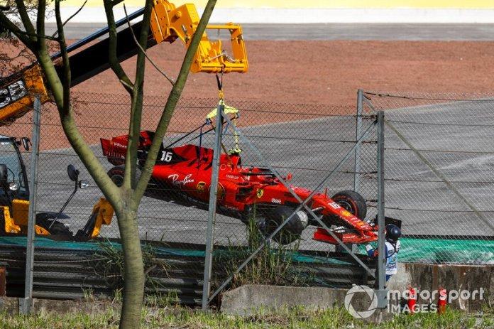 El monoplaza dañado de Charles Leclerc, Ferrari SF90