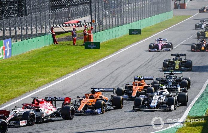 Kimi Raikkonen, Alfa Romeo Racing C39, Carlos Sainz Jr., McLaren MCL35, Nicholas Latifi, Williams FW43, Lando Norris, McLaren MCL35