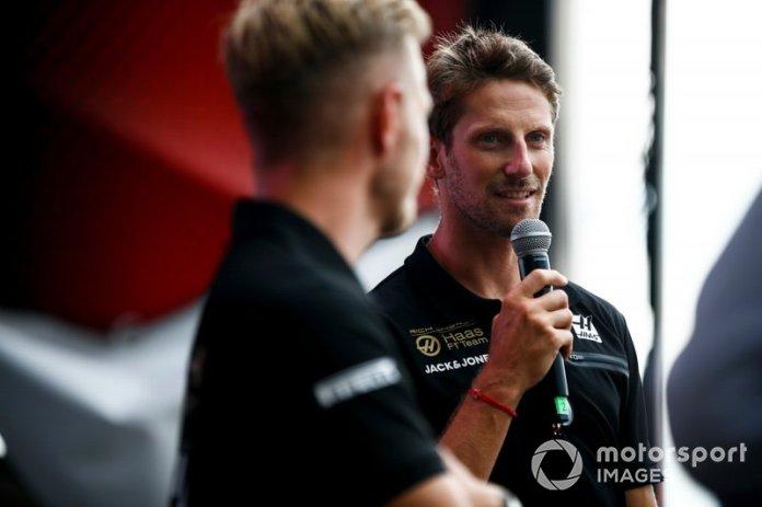 Kevin Magnussen, Haas F1 Team, y Romain Grosjean, Haas F1 Team, en escena