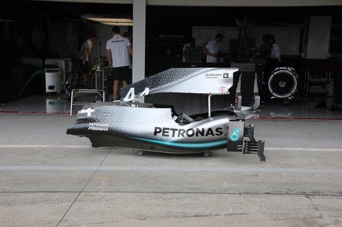 Mercedes F1 AMG W10, cubierta