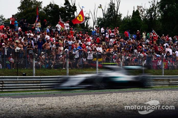 Italia: Rosberg al límite