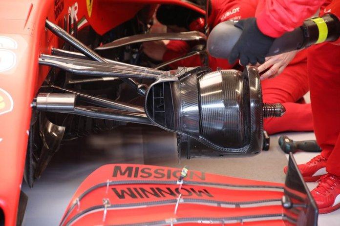 Detalle de los frenos delanteros del Ferrari SF1000