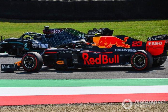 Lewis Hamilton, Mercedes F1 W11, Alex Albon, Red Bull Racing RB16